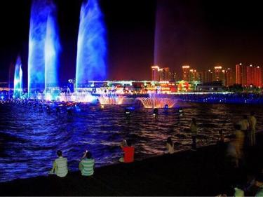 2020.2.21夜徒金鸡湖,赏音乐喷泉