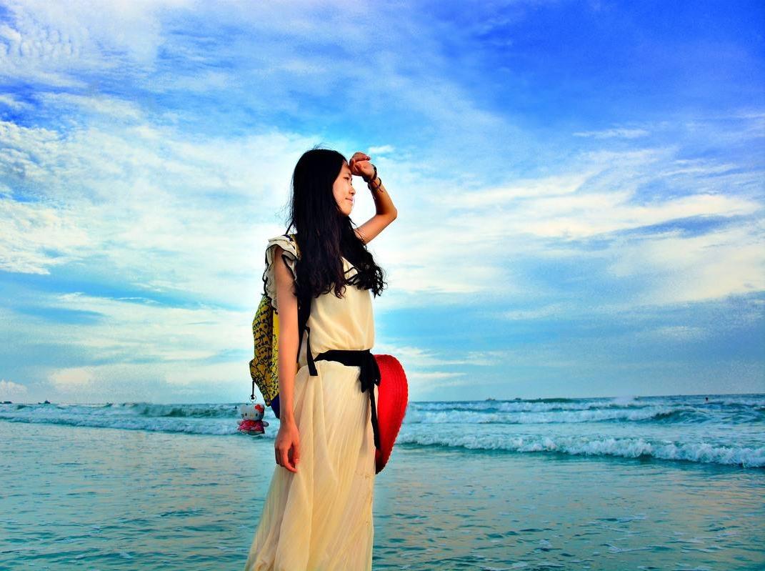 4月5日帅哥美女浪漫相约北海银滩游玩