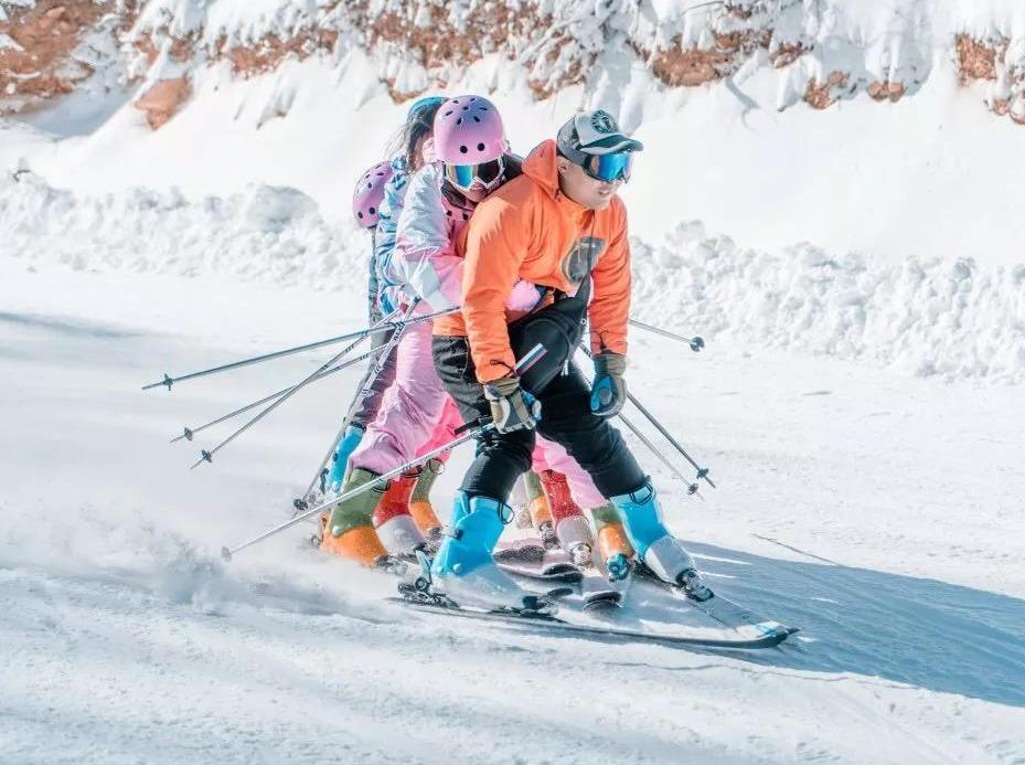 12.28绿葱坡滑雪场+莫愁村2日游