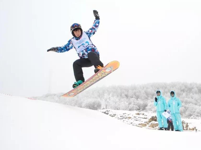 神农架星空+中和滑雪场双滑特价398