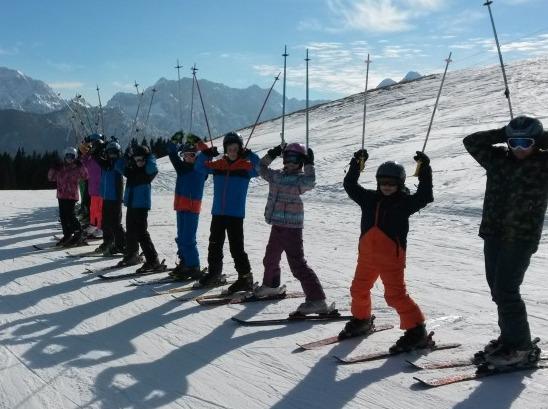 滑雪。放雪圈活动