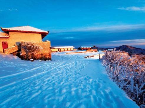 周末一起去滑雪︱光雾山冰雪节2日自驾