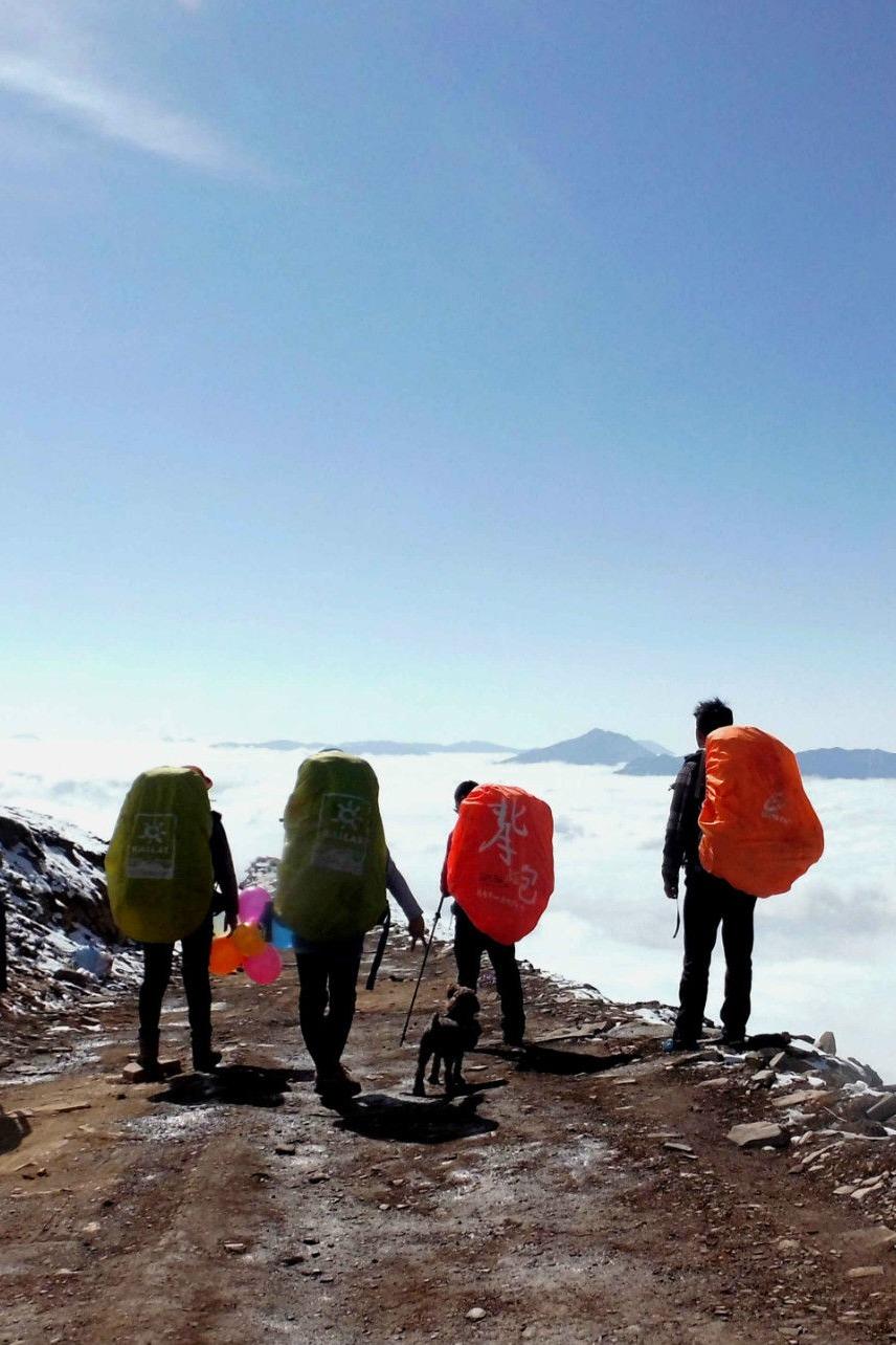 达瓦更扎,一个比牛背山更美的冰雪云海的地方