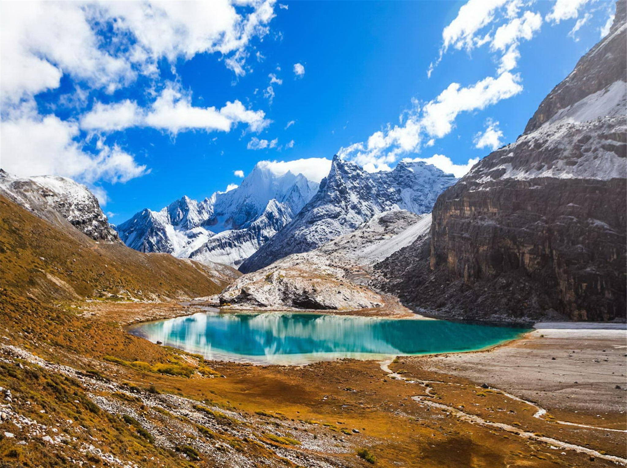 稻城亚丁,蓝色星球的净土最美的香格里拉。
