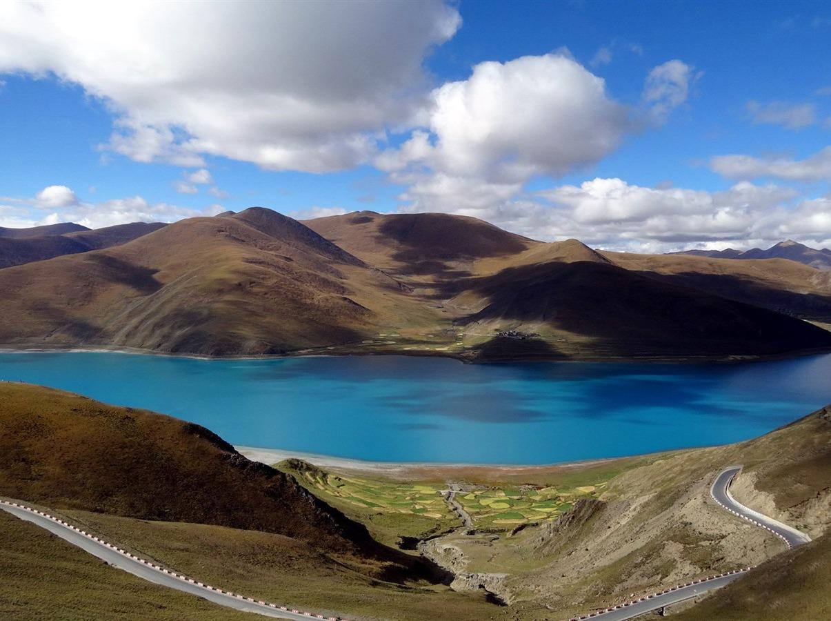 西藏南线之旅,4月最美的雪山圣湖人文风情