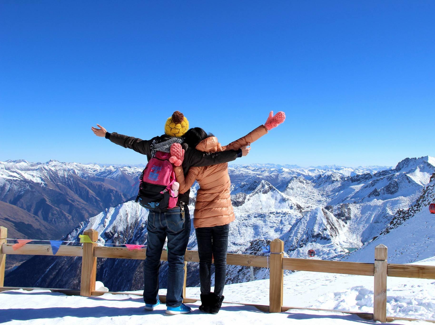 达古冰川 彩林雪山2日游 国庆每天出发