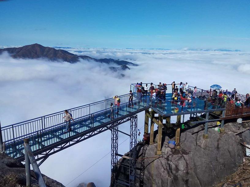 登金子山天梯、高空玻璃桥,英西峰林两日游