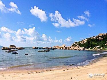 【浪漫那琴半岛】观奇石沧海,浪踏沙滩