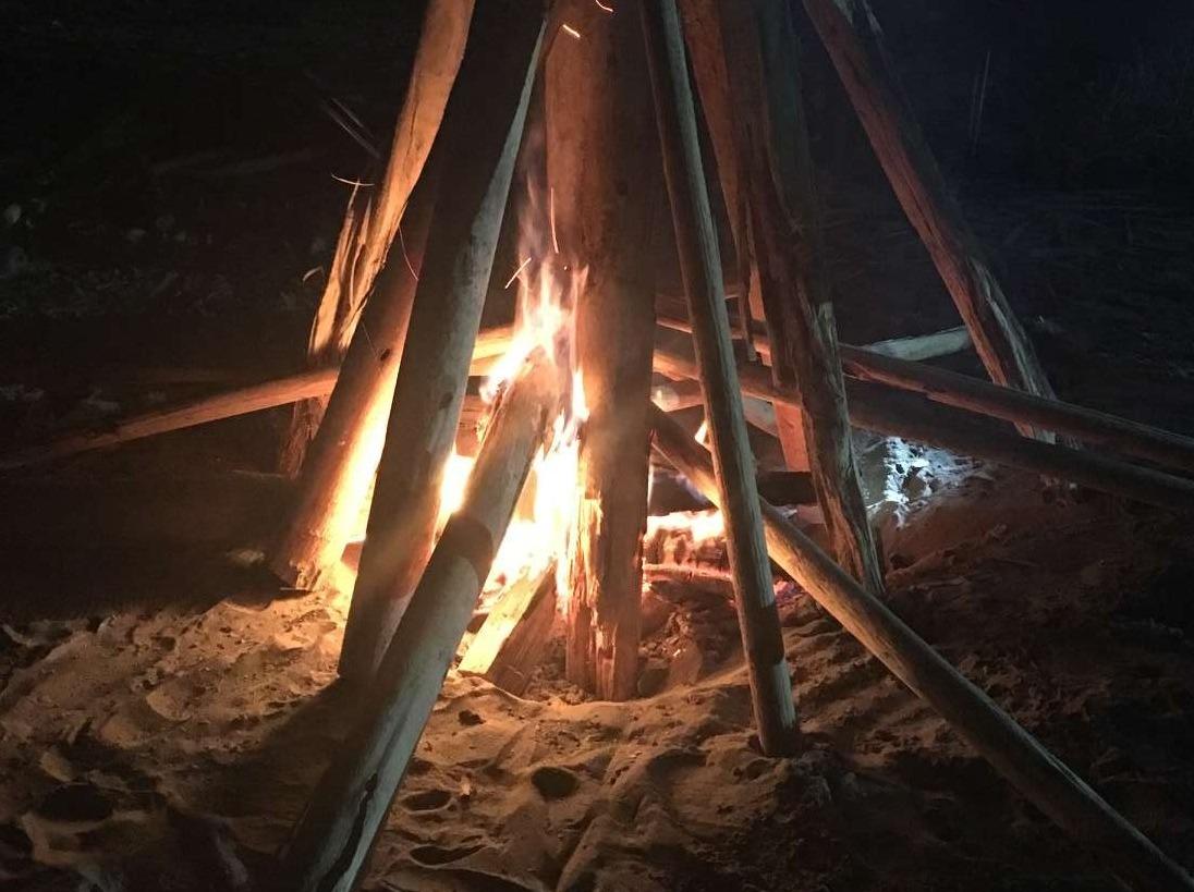 中秋露营篝火烧烤, 初级户外生存体验