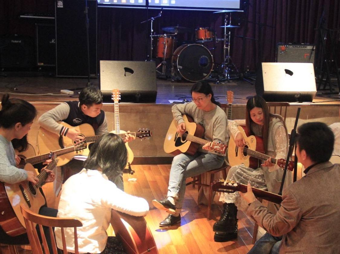 黄冈吉他公开课开课啦。。。