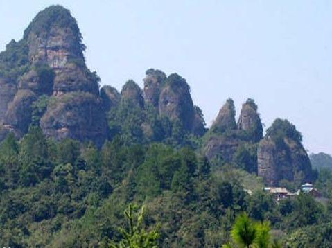 周末去五指石爬爬山,散散步
