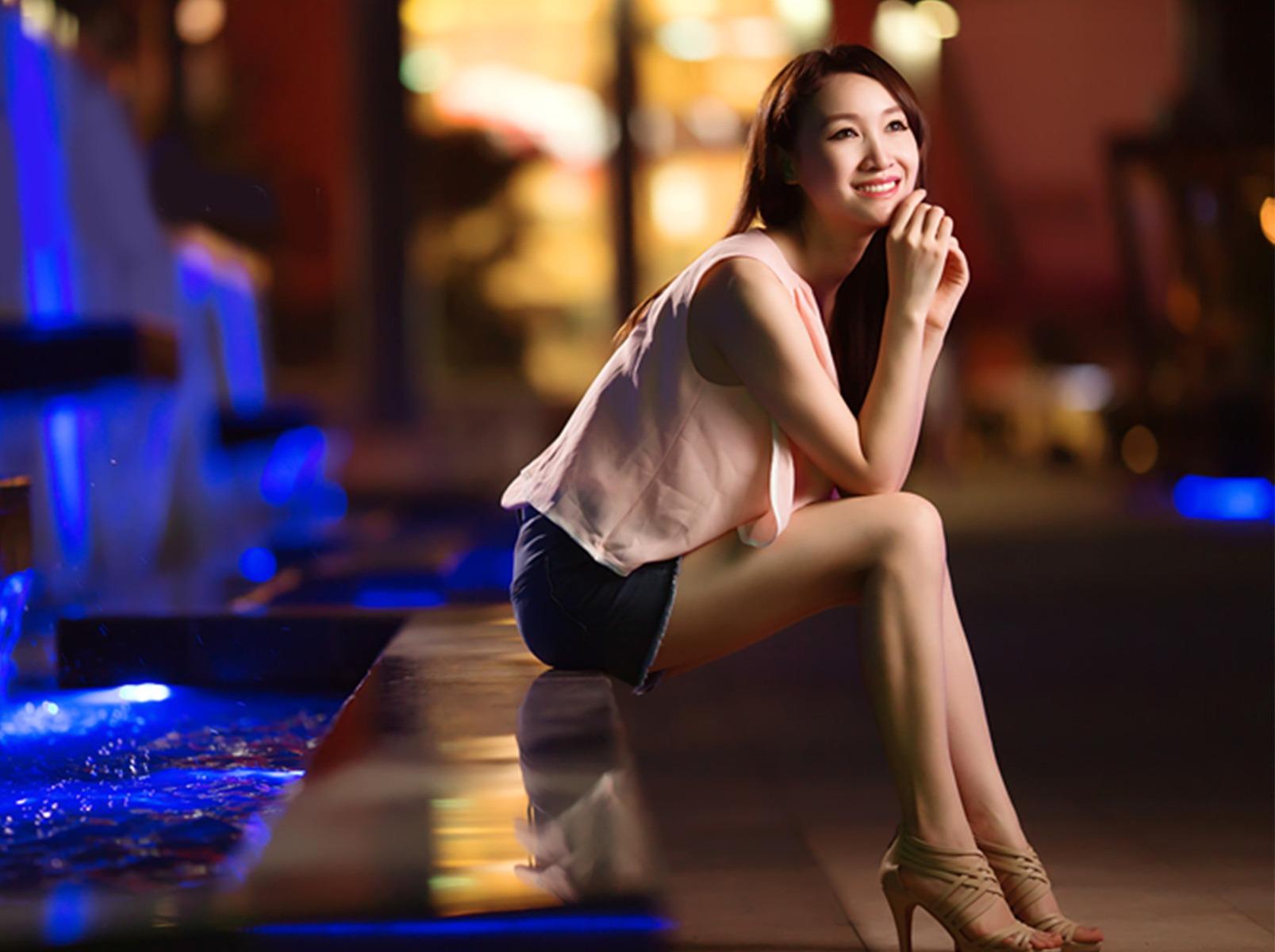 人像夜景主题,深圳九方广场拍摄