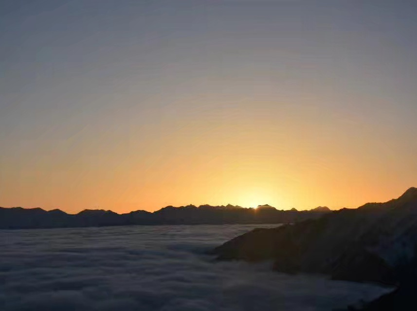 牛坪露营  三口锅 登顶 看日落日升