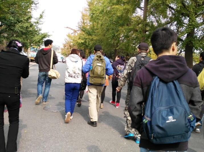 大连户外王老五动物园休闲野餐活动