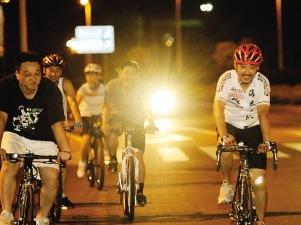 2.2周六珠江夜骑 共享单车骑行荧光夜色