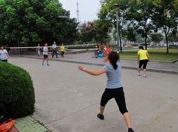 免费参加羽毛球友谊赛
