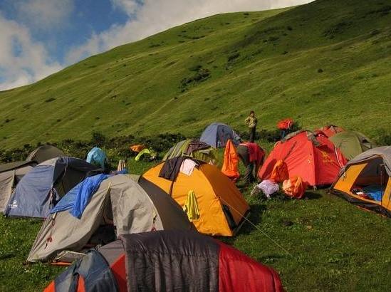 徒步露营:上帝的后花园——九顶山花海2日