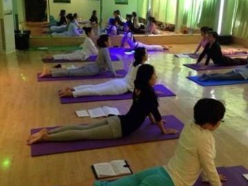 免费学习瑜伽,强身健体,