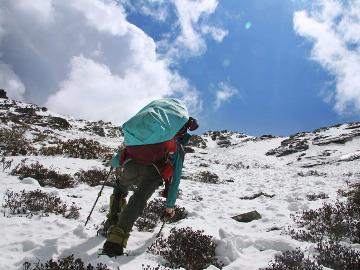 朝圣之旅-莫尔多神山