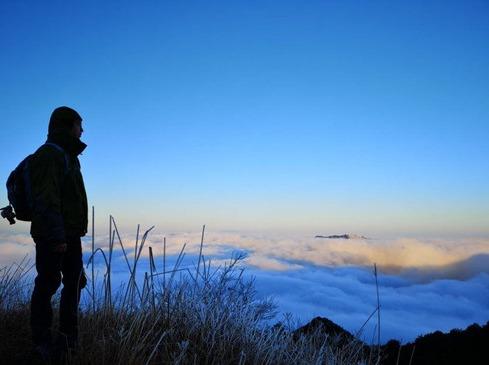 游遍五岳,还看三清山