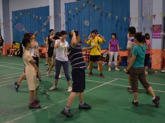 信阳2小时欢乐羽毛球活动