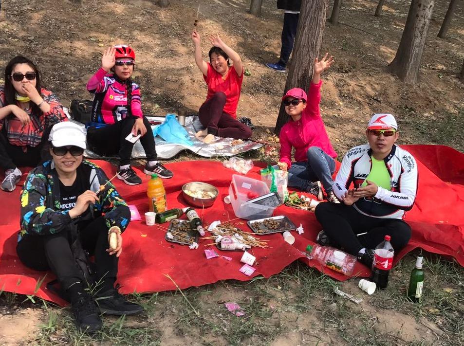 5月6号周六龙河南桥野外烧烤K歌开始喽!