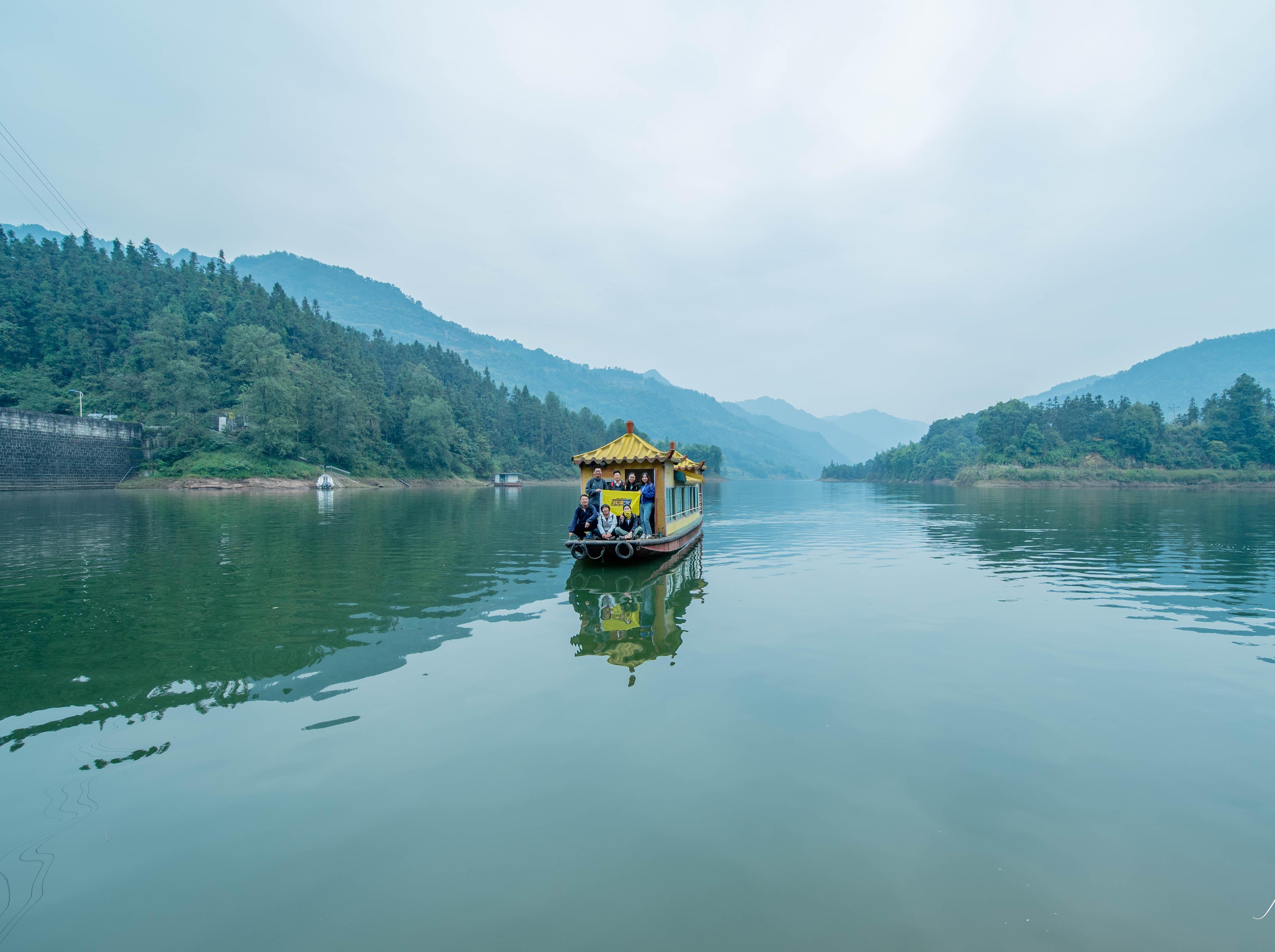 坐船摇弋重庆清溪沟,单日徒步