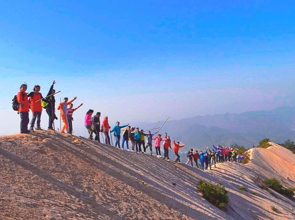 5.2-5.4登顶龙须山,在山脊行走