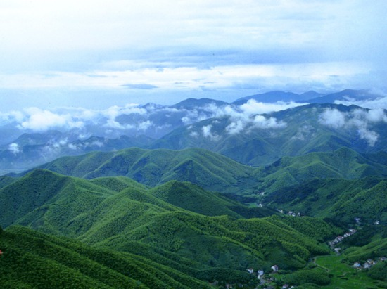 4.29徒步穿越国家级登山步道:莫干山