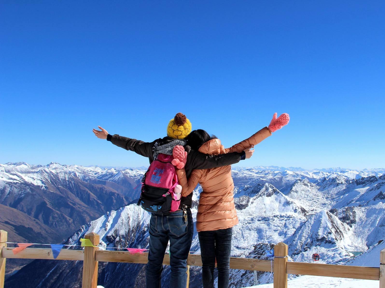 达古冰川 羊茸哈德雪山摄影2日游