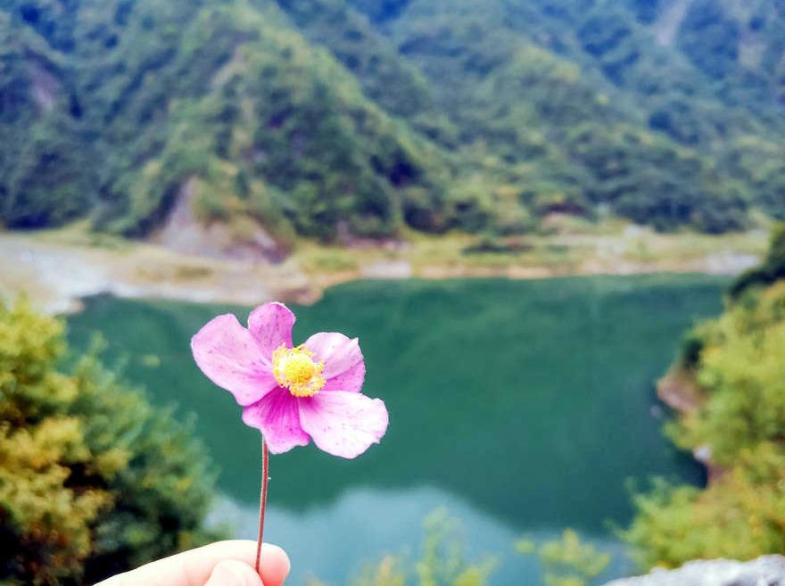 周日轻徒步 拉姆拉措湖赏秋水红叶1日游