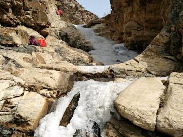 木星户外3月4日滴水岩休闲徒步溜冰一日游