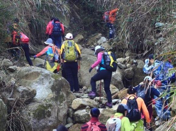 10月28日-木兰峡谷登山攀石探险一日游