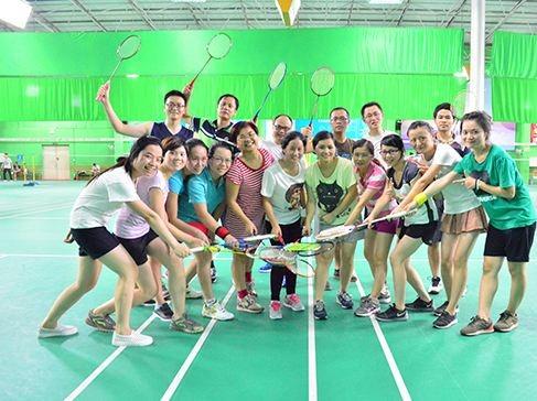 大家一起来打羽毛球吧!结交好友