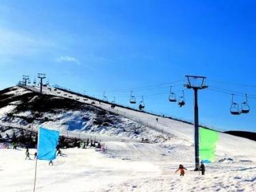 滑雪温泉一日游