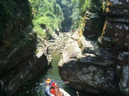 上林龙门峡谷麓女河,唱歌泡水,野炊烧烤