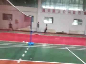 一起来打羽毛球