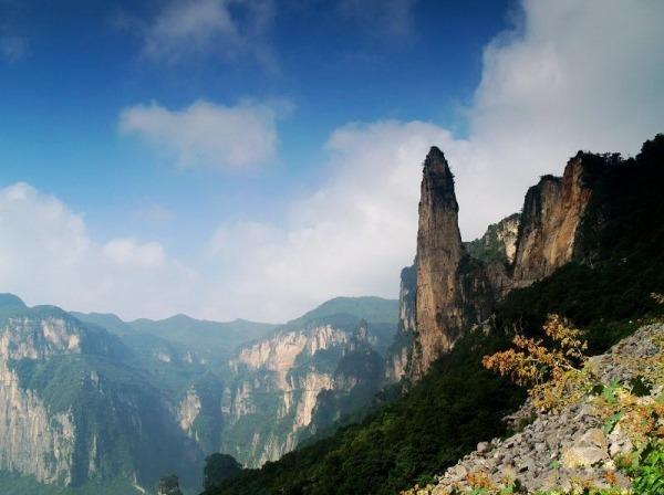 龙人户外:野线徒步穿越关山景区赏太行红叶