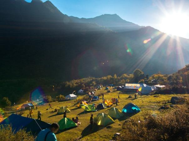 【孟屯河谷两日露营】最美田园山水藏寨。