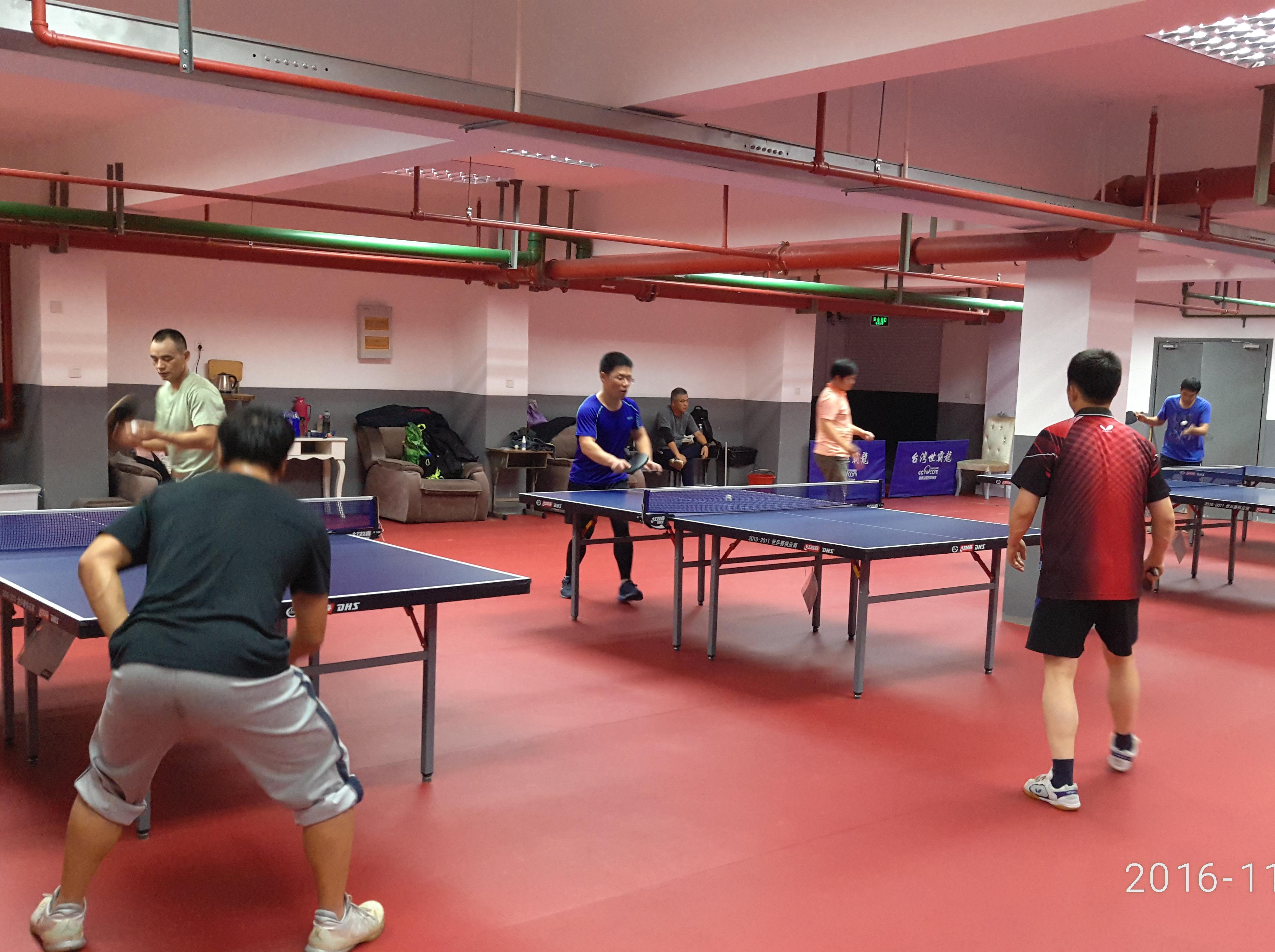 新梅业余乒乓群周一晚上活动!