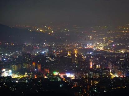 01.12周五晚夜登白云山俯瞰广州夜