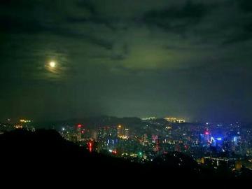 2月10号夜袭黔灵山
