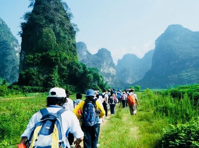 清远英西峰林徒步、探索千年瑶寨、休闲摄影