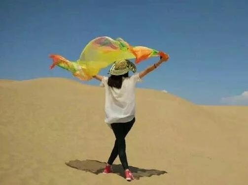 清明节,库布奇沙漠,免费提供露营装备。