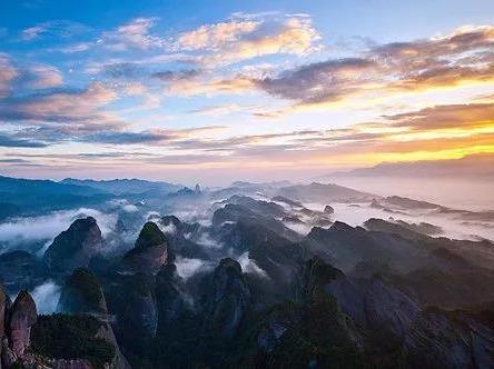 14号登中国最美七大丹霞之一-八角寨