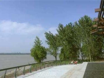 8月20日周日环游江心洲徒步,江边吹风