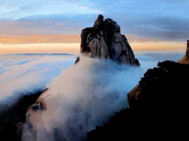 行摄天柱山看日落日出和云海二日特价游