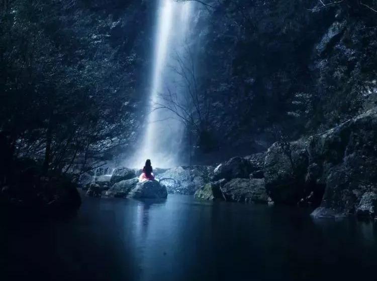 天台山牧云谷景区和南山花海一天特价休闲游