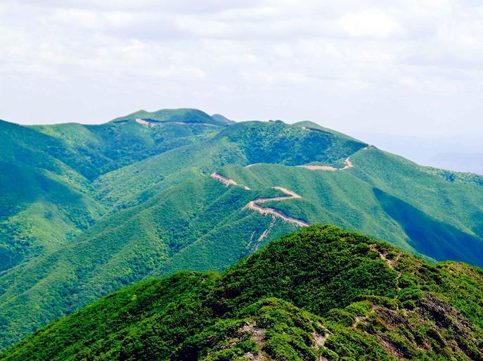 登顶安宁最高峰黑风山2617米