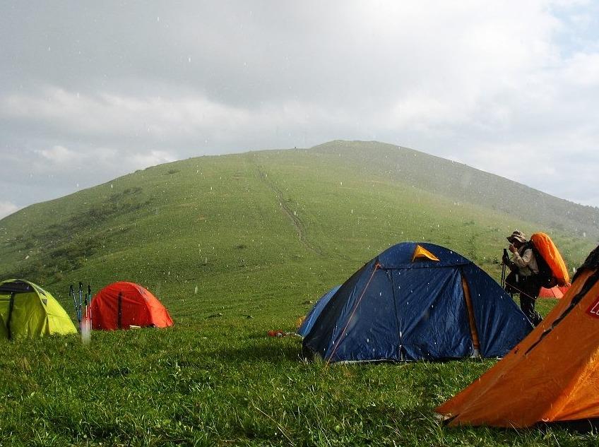 茶山首次扎营节开幕